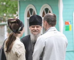 Что говорят священнослужители о развенчании