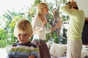 После развода, с кем остаются дети