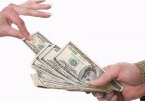 Как жене взыскать алименты, если у мужа черная зарплата